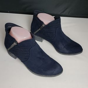 AMERICAN RAG BLUE ANKLE BOOTS SIZE 6.5